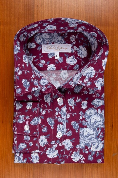 THIN FLANELL, BLUE ROSES ON BURGUNDY