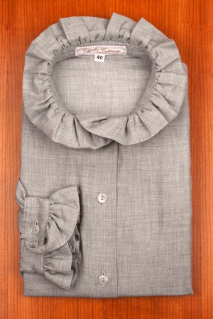 RUFFLE COLLAR, GREY FLANELL