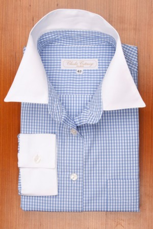 WHITE COLLAR, BLUE AND WHITE GINGHAM