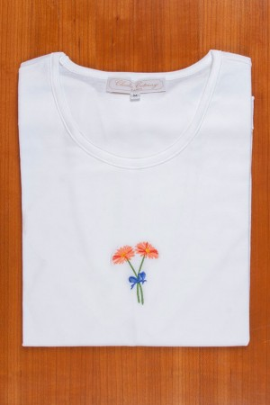 TEE SHIRT, EMBROIDERY: ORANGE DAISIES